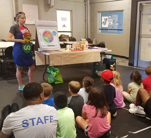 """Did you know you can join nutrition workshops in your community? Workshops are offered in community settings and on-line all across New York. Join us for tips and tricks to make tasty quick meals, eat better on a budget and keep you and your family healthy! <a href=""""https://snapedny.org/#offices"""">Click here to find your local office.</a>"""